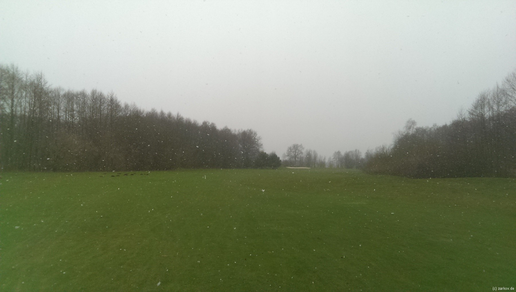 Golf auf Green Eagle bei Schneefall