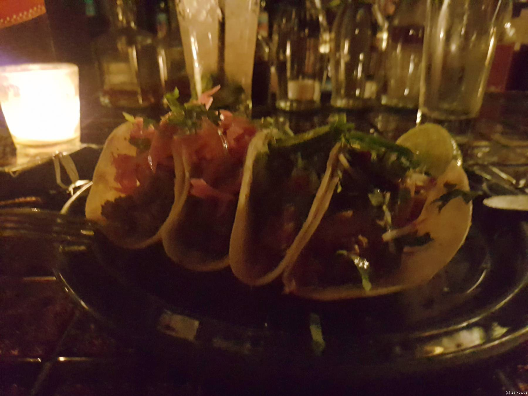 Mayahuel - Tacos mit selbstgemachter Chorizo und Tinga